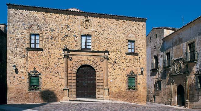 palacio_episcopal_caceres_t1000071.jpg_1306973099